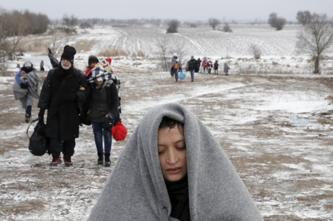 migrants-marchent-froid